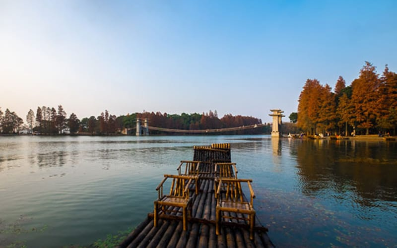 things to do in wuhan: Visit-East-Lake-Wuhan