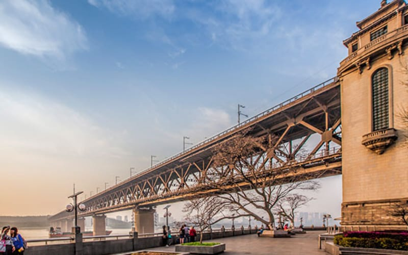 things to do in wuhan: Wuhan-Yangtze-River-Bridge