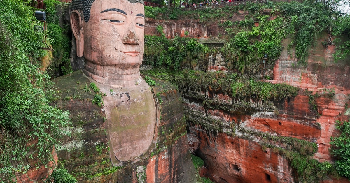 unusual things to do in China: Leshan-Buddha