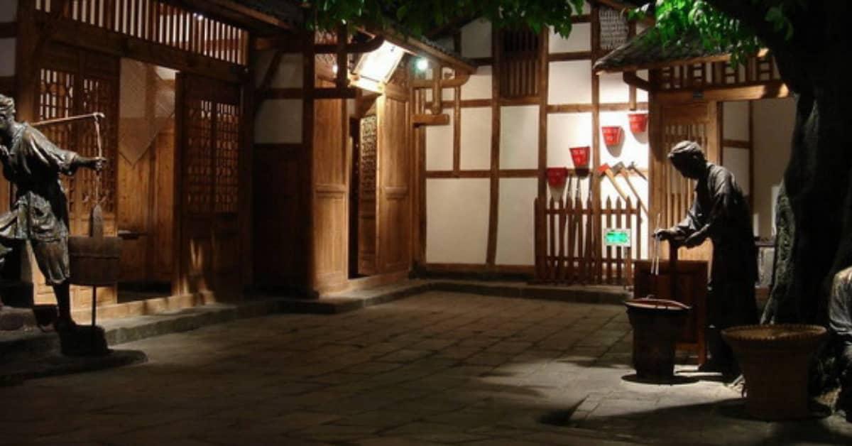Chongqing Trip: visit Three-Gorges-Museum